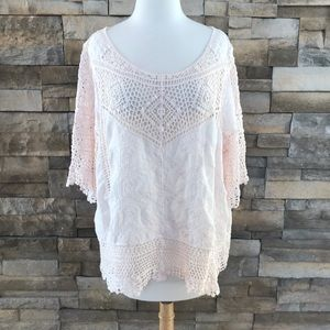 Tops - Light pink crochet style top